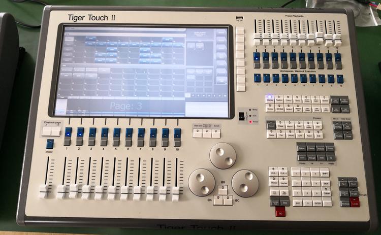 触摸老虎Tiger Touch二代灯光控台送全套老虎控台视频教程和技术服务